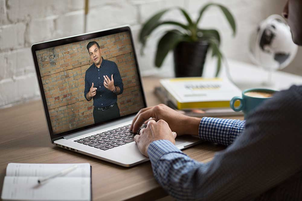 Stand and Command Online Training for Presentation and Public Speaking